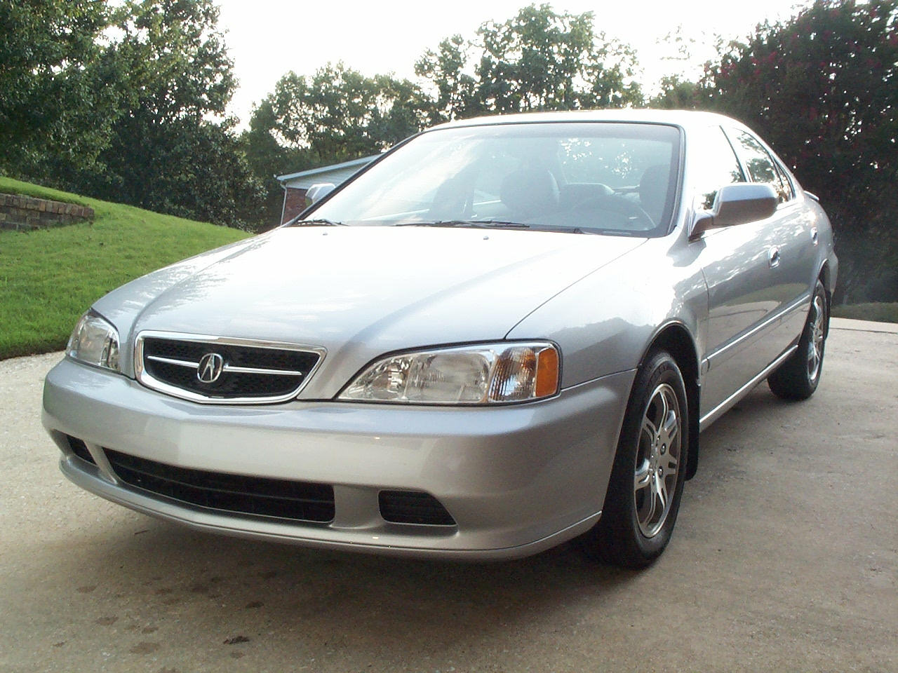 The 1999 Acura 32TL Was One Of First High Volume Cars With HIDs And Without Too Thanks To Thieves